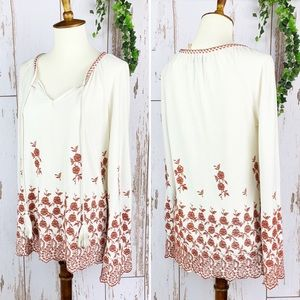 Floral Embroidered Bell Sleeve NWOT Peasant Blouse